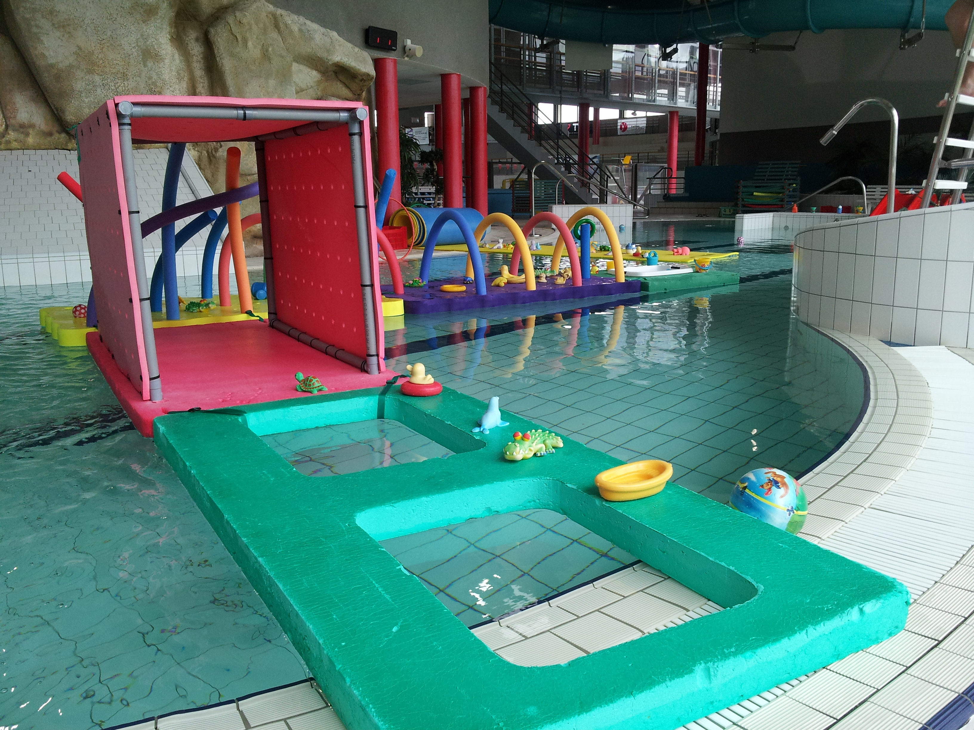 Aquanat piscine intercommunale de la vall e de for Piscine entre 2 immeubles